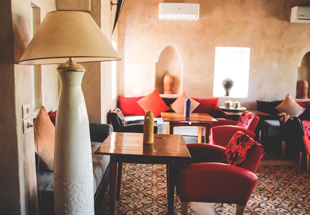 Kasbah-Azul-Agdz-Marokko-Rundreise-Lounge-Essen