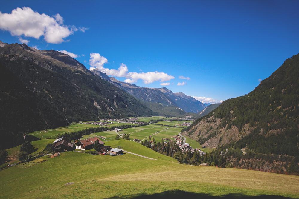 Oetztal-Oesterreich-Berge-Tirol-Wandern-Pension