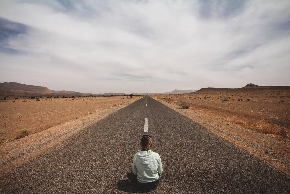 Outback-Marokko-Steinwueste-Mondlandschaft-Sahara