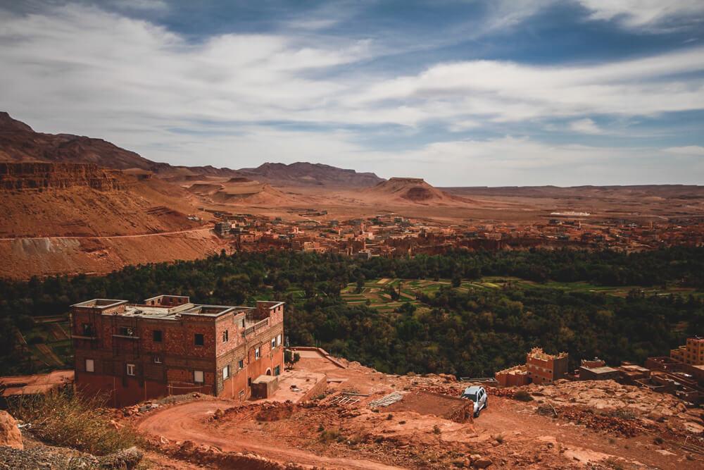 Tinghir-Todra-Schlucht-Marokko-Aussicht-Felsen-Oasen