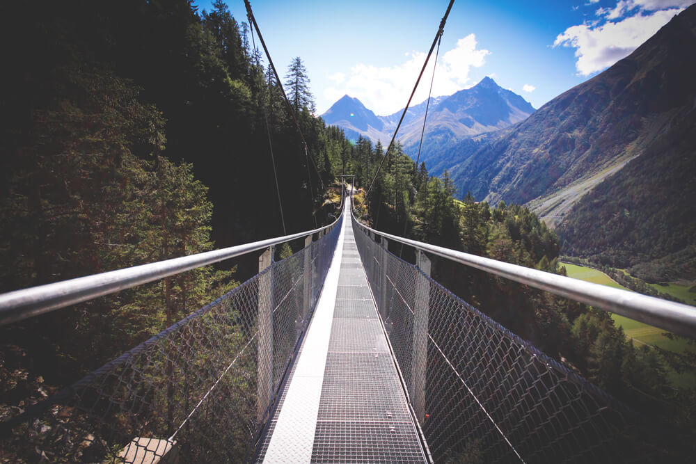 Tirol-Oetztal-Oesterreich-Bruecke-Wandern-Wanderwege-Natur