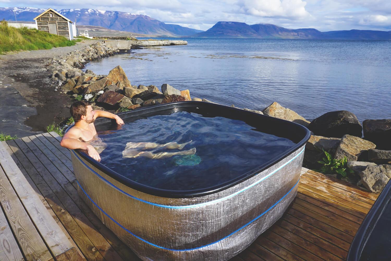island-kosten-rundreise-marco-hot-tube
