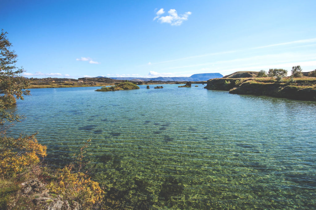 island-norden-highlights-rundreise-myvatn-hoefdi