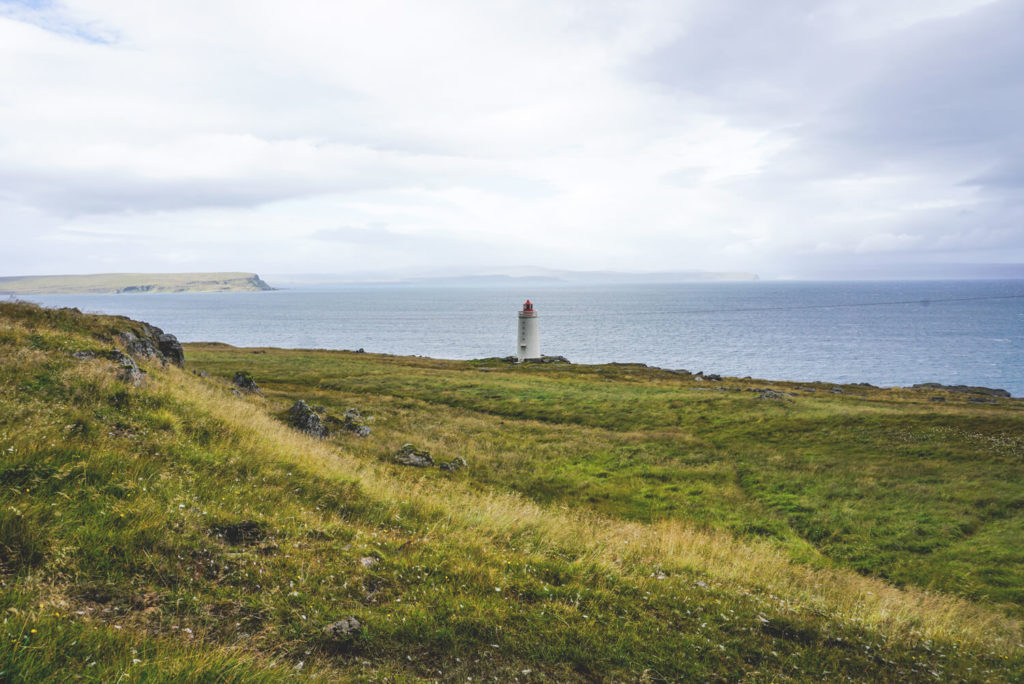 island-rundreise-norden-skardsviti-lighthouse-vatnsnes