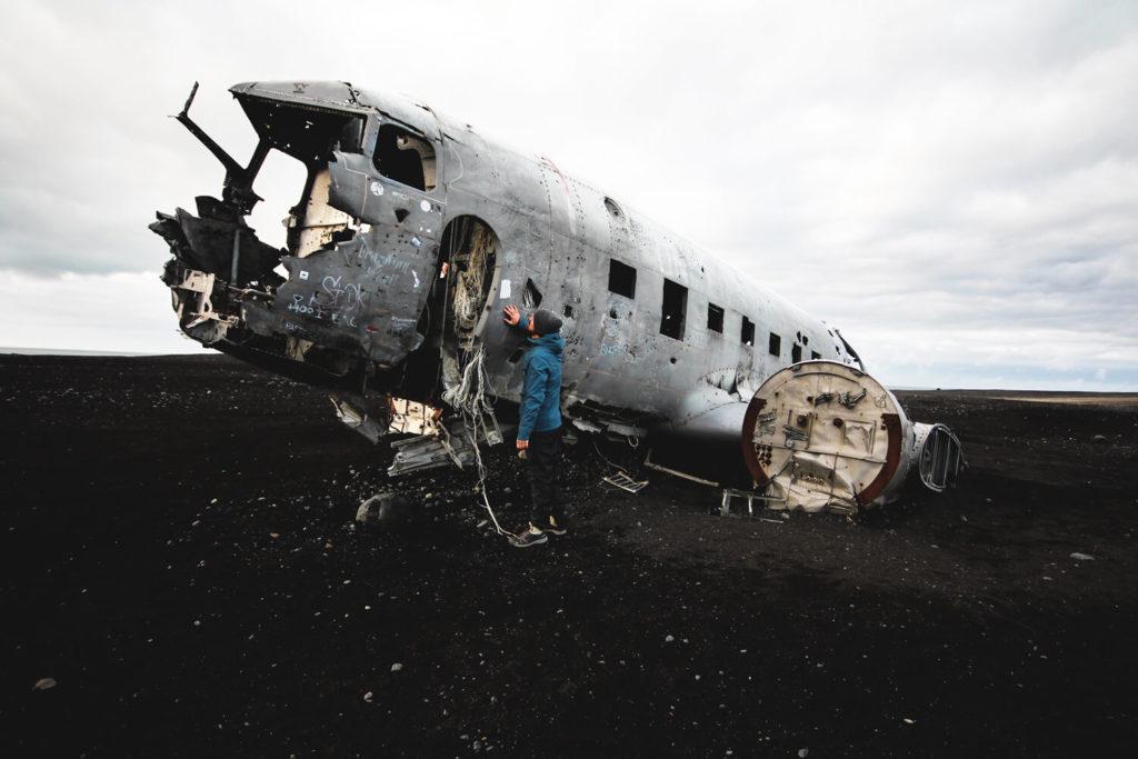 island-rundreise-sueden-highlights-dc3-plane-wreck