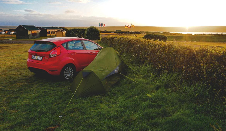 rundreise-island-camping-hvammstangi-zelten