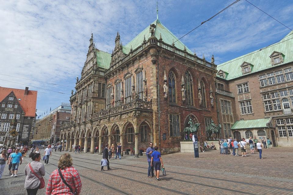 Altstadt-Bremen-Rathaus-Innenstadt-min