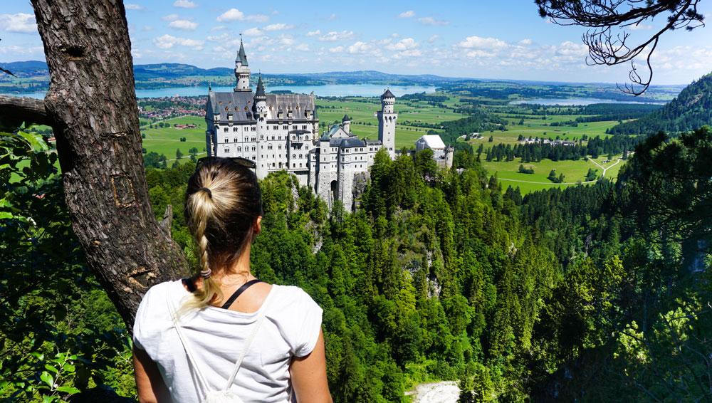 Aussicht-Schloss-Neuschanstein-Hohenschwangau-Fuessen-Bolle