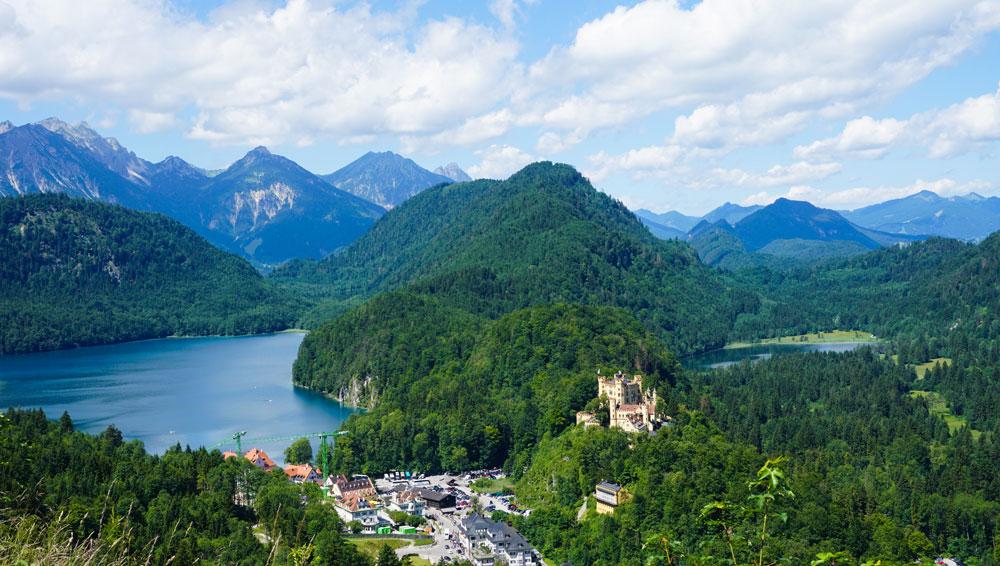Aussicht-Schloss-neuschwanstein-Alpsee-Fuessne