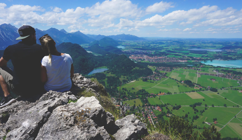 Bayern-Fuessen-Tegelberg-Aussicht-Alpsee-Rundreise-Deutschland