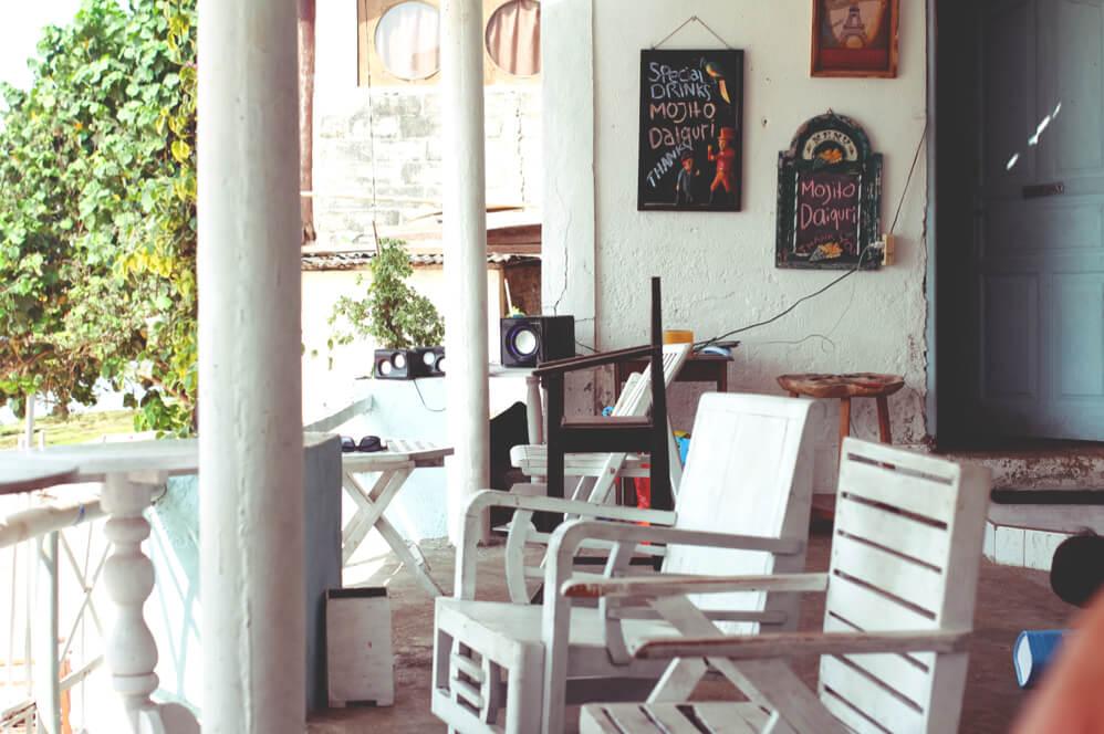Bingin-Beach-Indonesien-Bali-Strand-Restaurant