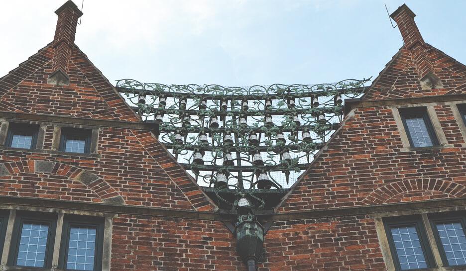 Bremen-Glockenspiel-Altstadt-Boettcherstrasse-min
