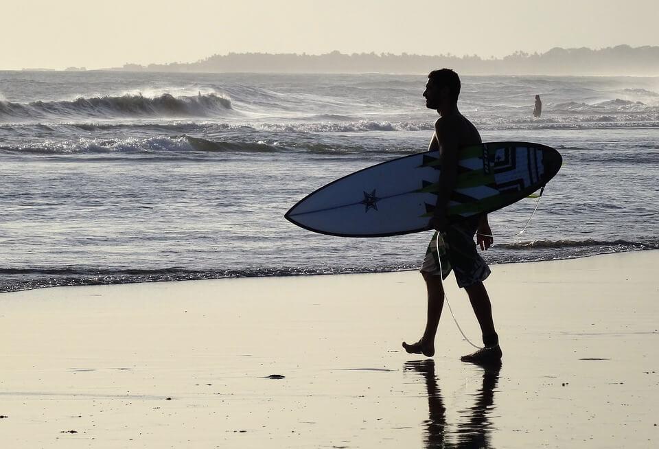 Echo-Beach-Bali-Surfer-Strand-2