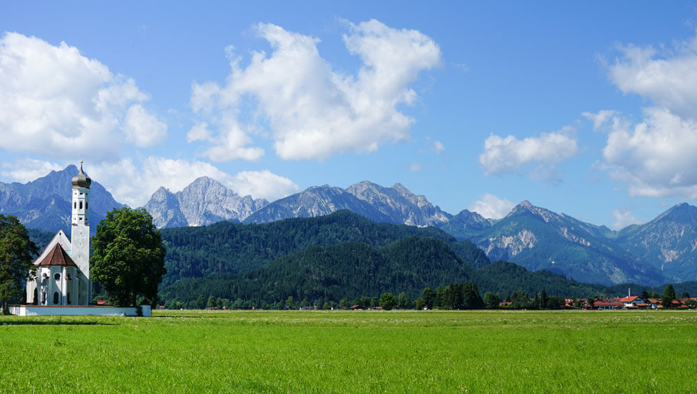 Fuessen-Hohenschwangau-alpen-panorama