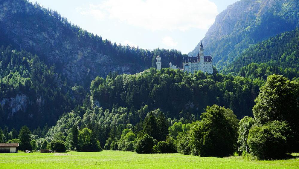 Fuessen-Schloss-Neuschwanstein-Hohenschwangau-Alpen