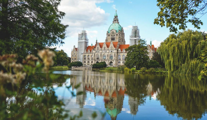 Hannover-Sehenswuerdigkeiten-Neues-Rathaus-Maschpark
