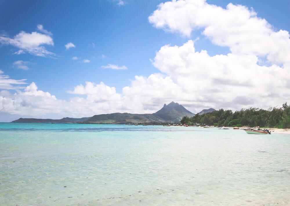 Ile-Aux-Cerf-Mountain-Mauritius
