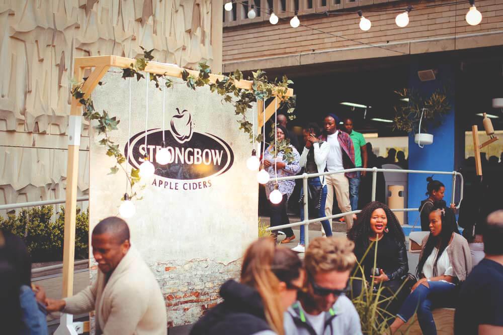 Johannesburg-Neighbourgoods-Market-Suedafrika-Terrasse