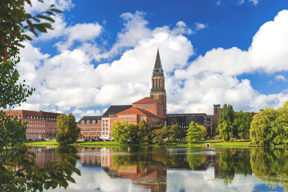 Kiel-Highlights-Sehenswuerdigkeiten-Rathaus