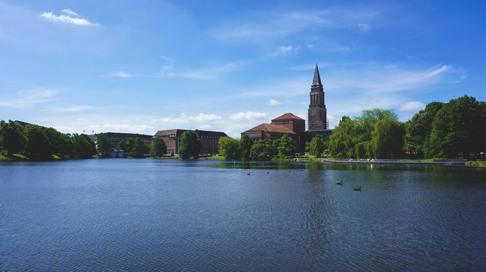 Kiel-Kleiner-Kiel-Schleswig-Holstein-See-Kirche