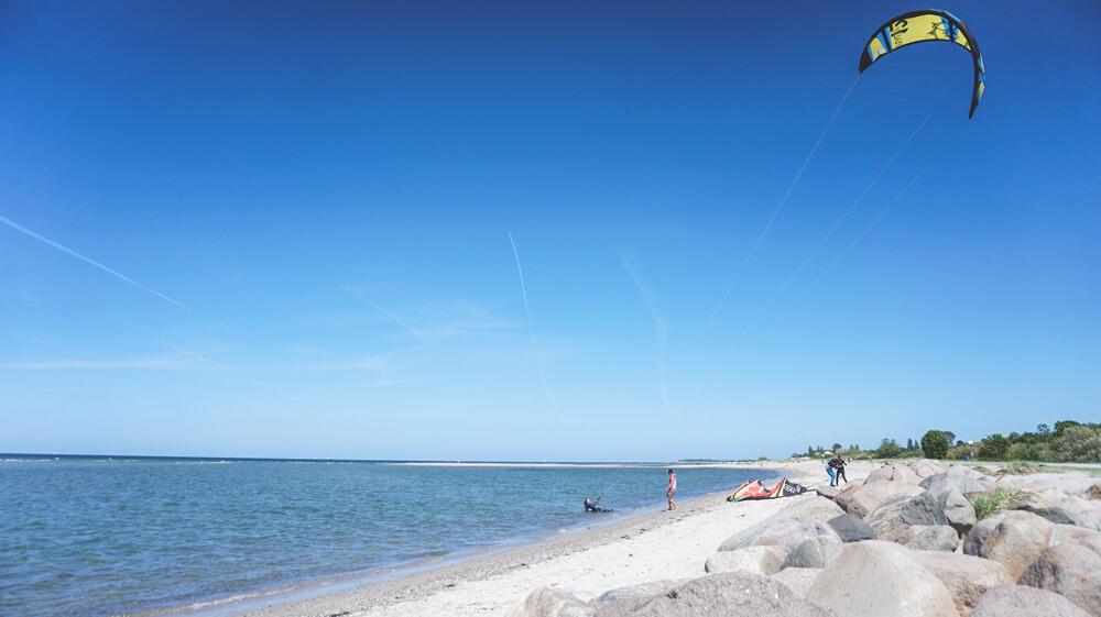 Kiel-Laboe-Seebad-Strand-Windsurfen-Ostsee