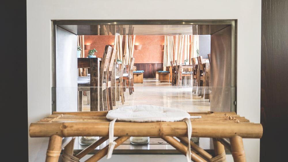 Ko-Ono-Hotel-Konstanz-Lounge-Kamin