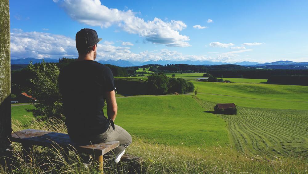 Marco-Bayern-Alpen-Schongau-Bank-Natur-Panorama