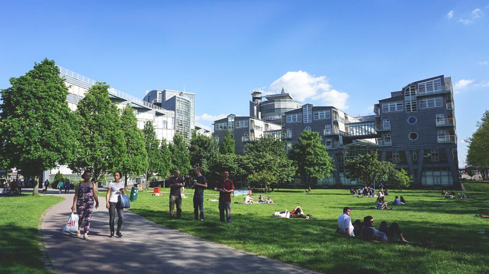 Park-Hamburg-Am-Michel-Erholung-Pause