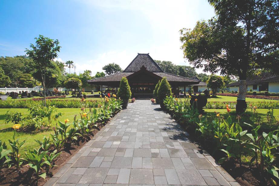 Prambaran-Tempel-Indonesien-Java-Rundreise-Yogyakarta