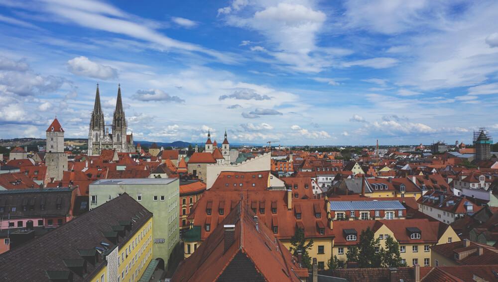 Regensburg-Dreieinigkeitskirche-Aussicht-Nordturm-Altstadt