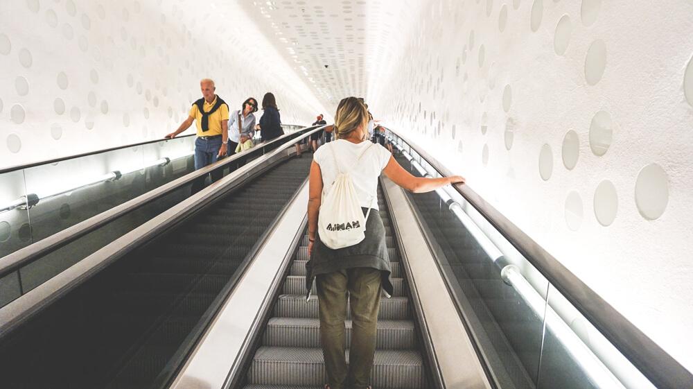 Rolltreppe-Elbphilharmonie-Hamburg-Besucher-Terrasse