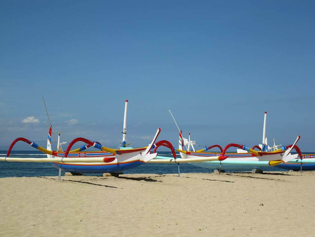 Sanur-Strand-Beach-Bali-Insel-Indonesien-Boote