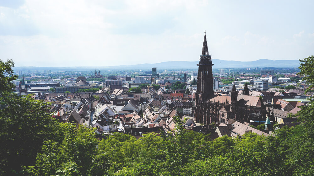 Schlossberg-Aussicht-Tour-Freiburg-Altstadt-Freiburger-Muenster