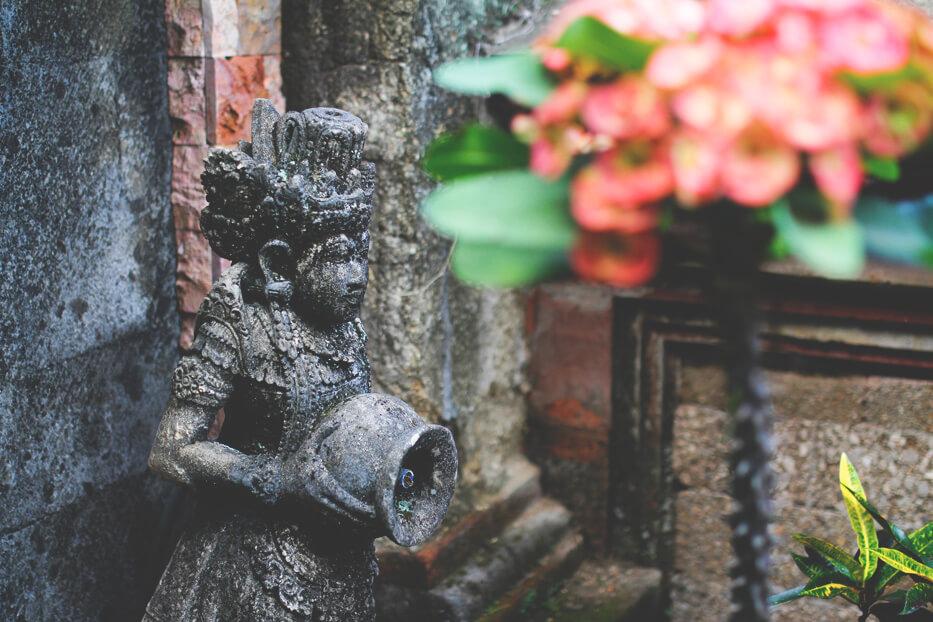 Shopping-Ubud-Bali-Indonesien-Keramik-Figuren