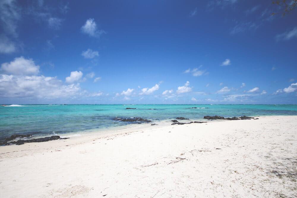 Strand-Ile-aux-Cerfs-Mauritius