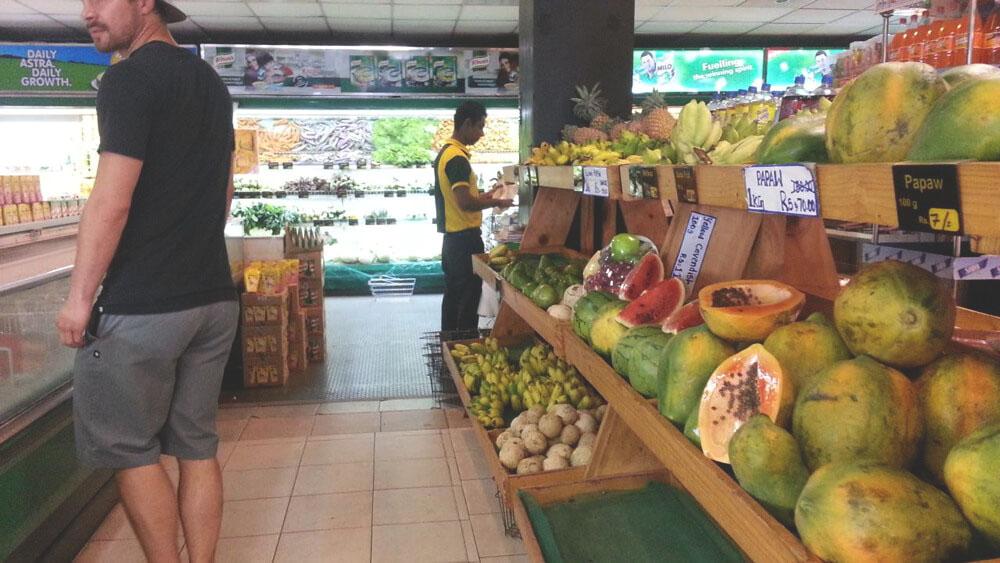 Supermarkt-Colombo-Sri-Lanka-Einkaufen-Kiosk