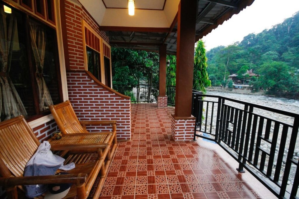 Thomas-Retreat-Bukit-Lawang-Terrasse