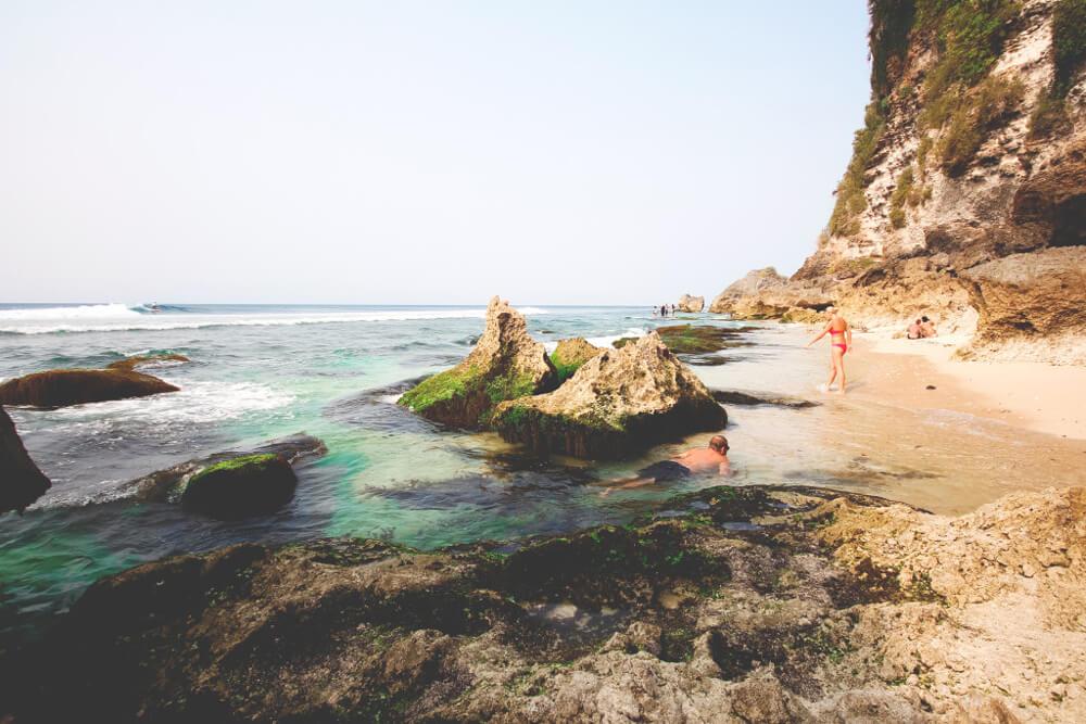 Uluwatu-Beach-Strand-Meer-Indonesien-Bali