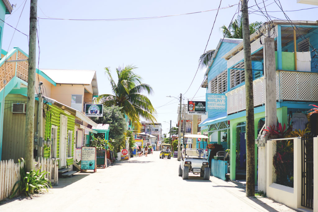 https://kommwirmachendaseinfach.de/wp-content/uploads/2019/03/belize-rundreise-caye-caulker-main-road.jpg