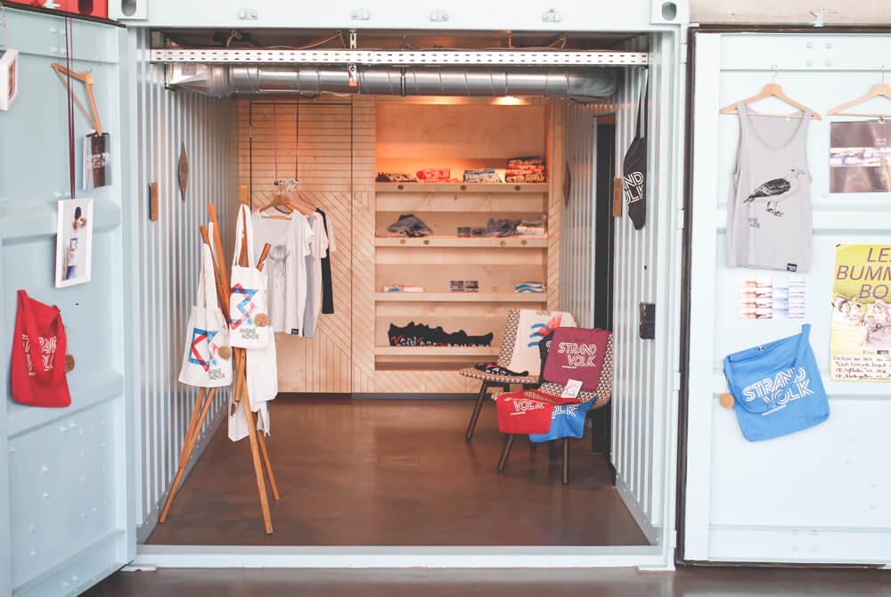 dock-inn-warnemuende-container-hostel-shop-1