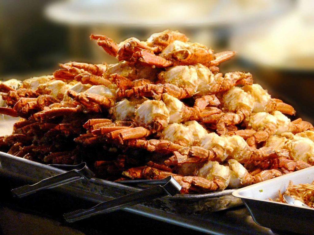 essen-in-hongkong-fisch-krabbe-min