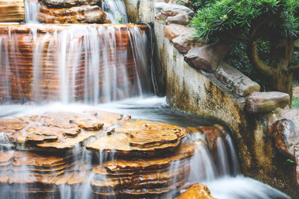 geheimtipps-hongkong-nan-lian-garden-wasserfall