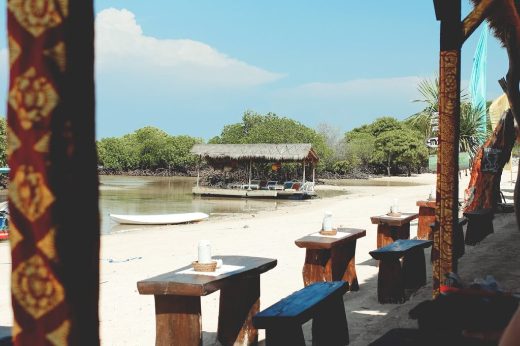 nusa-lembongan-highlights-restaurant-min