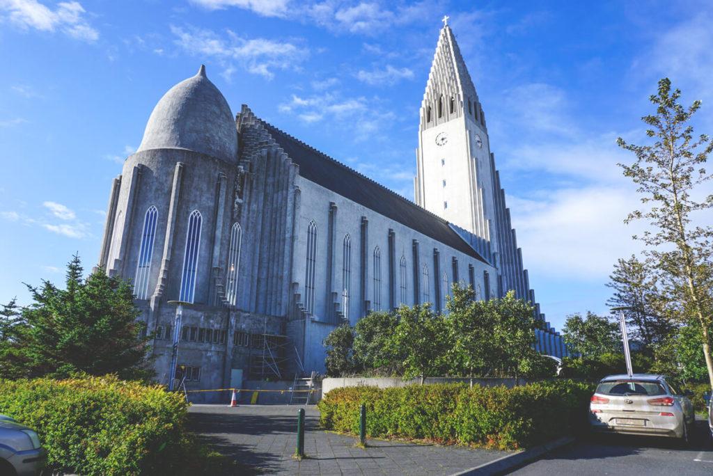 routen-in-island-rundreise-reykjavik-kirche