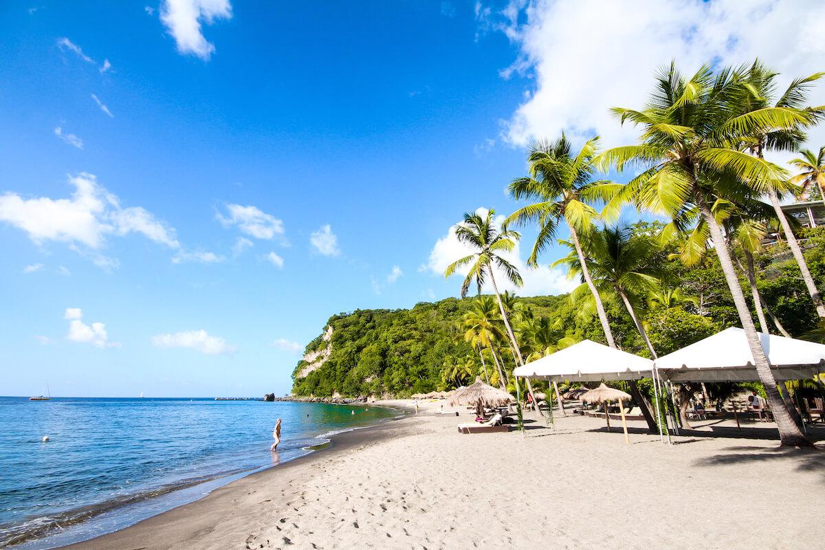 saint-lucia-karibik-anse-chstanet-strand