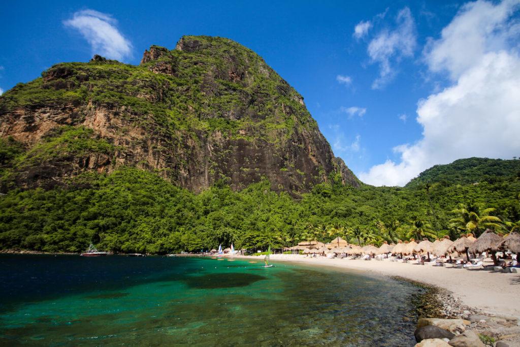 saint-lucia-karibik-sugar-beach-piton