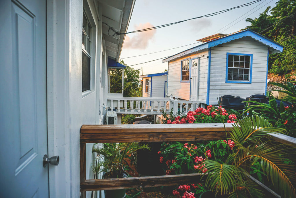saint-lucia-karibik-unterkunft-apartment-espoir-eingang