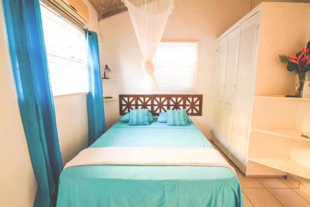 saint-lucia-karibik-unterkunft-apartment-espoir-studio-schlafzimmer