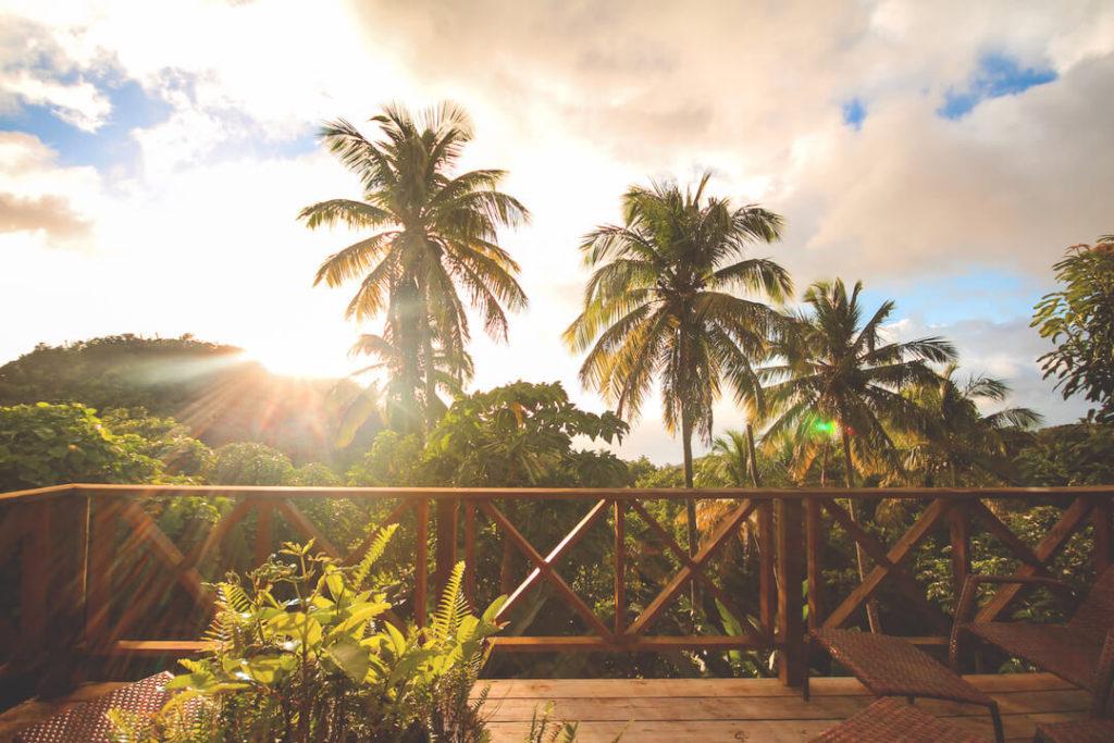 saint-lucia-karibik-unterkunft-crystals-villa-hotel-terrasse-aussicht