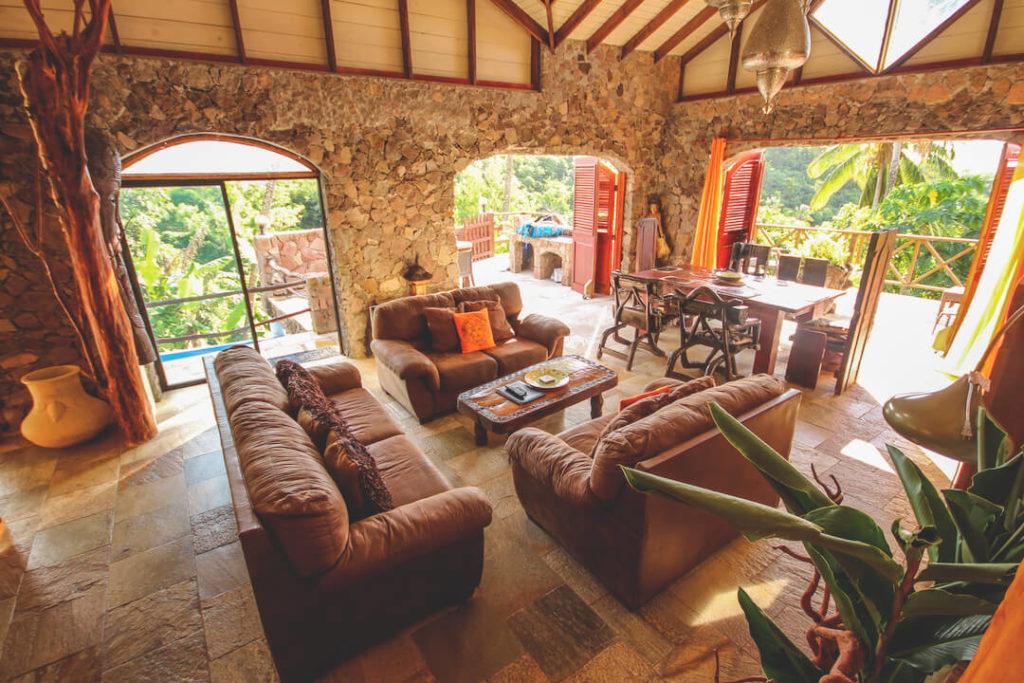 saint-lucia-karibik-unterkunft-crystals-villa-hotel-wohnbereich